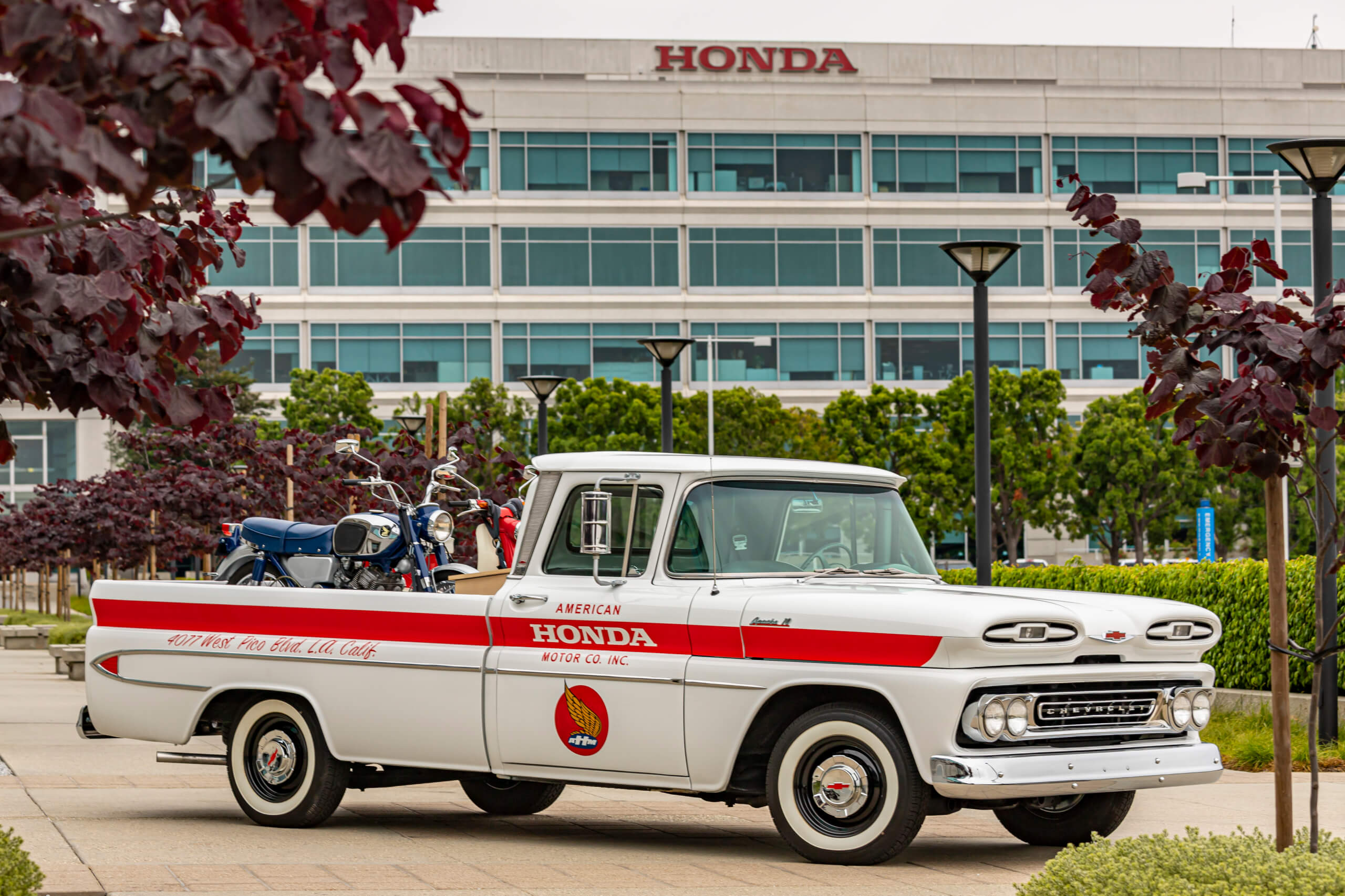 Honda Rebuilds a 1961 Chevrolet Apache Pickup hauling close ties to the brand's heritage