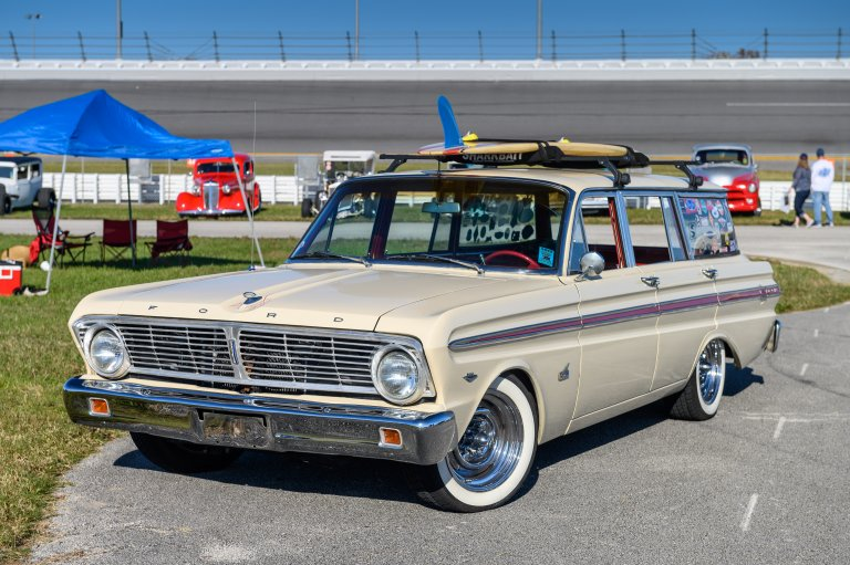 Dad's Falcon Wagon Sends Sisters' Ford Love Soaring