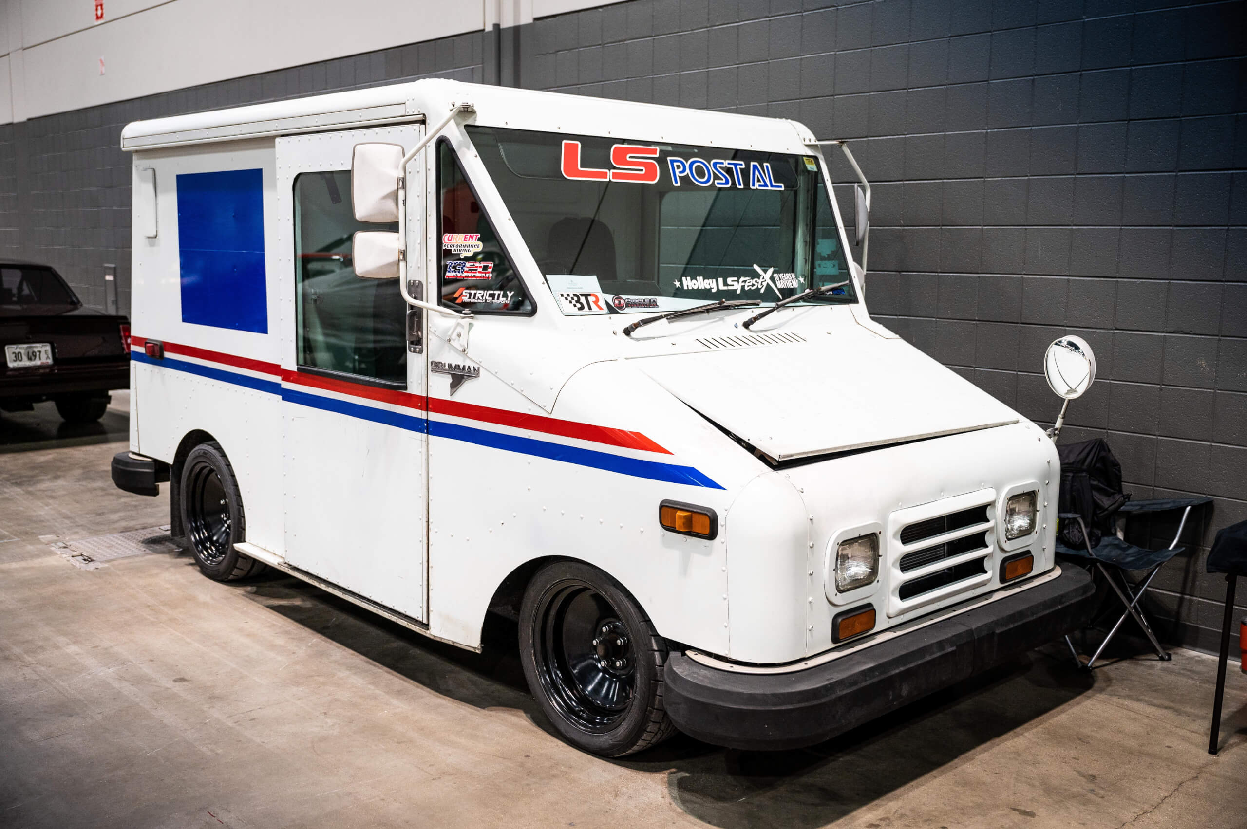 This Grumman LLV postal van has a modern LS V8 under the hood.