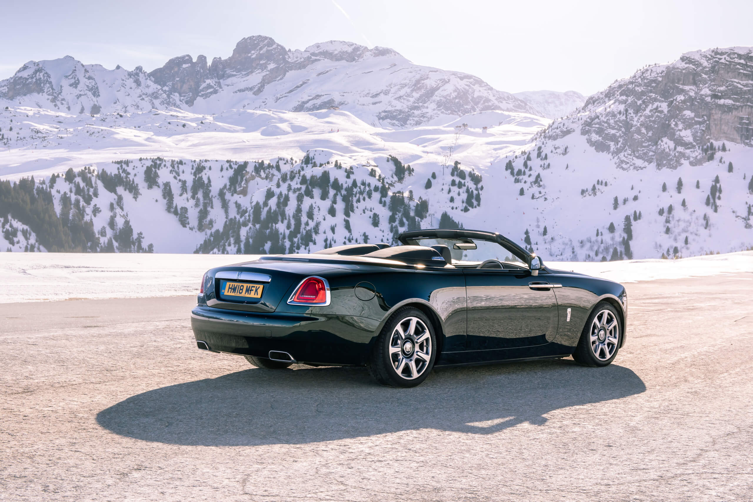 The Rolls-Royce Dawn Gets Roadster Looks With This Carbon Fiber Tonneau Cover